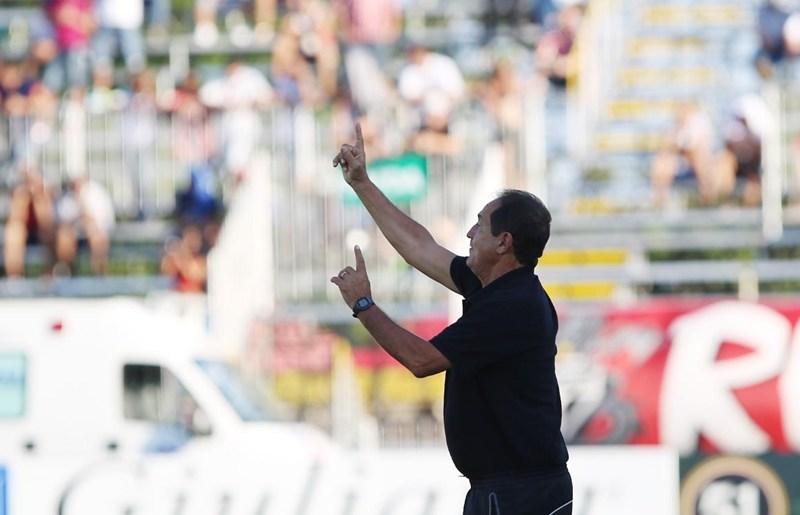 Muricy rejeita revanche contra o Corinthians e lamenta ausência de Pato