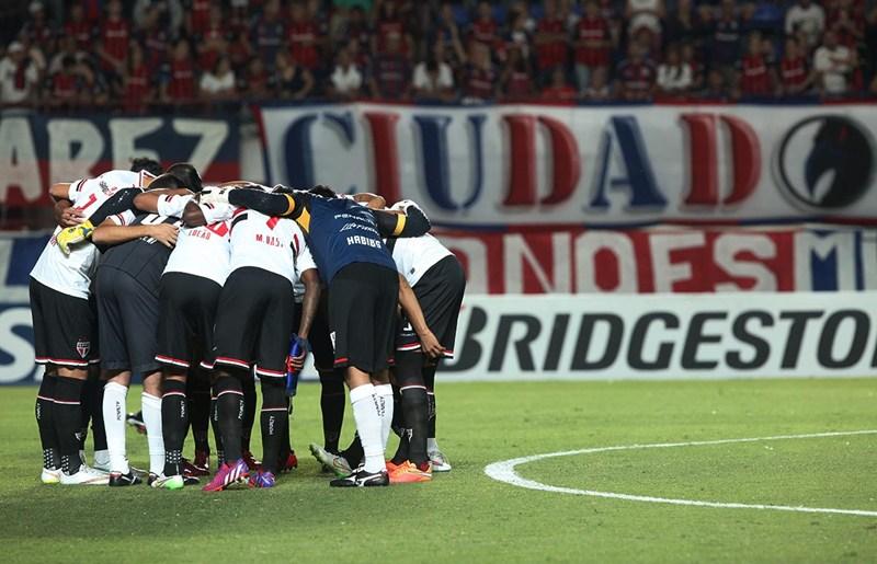 """Vice elogia atuação e não vê São Paulo """"fora da Libertadores ainda"""""""