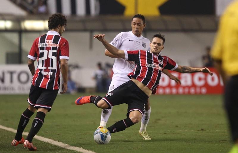 """Hudson critica """"marcação mole"""" em gol santista; Bastos vê imaturidade"""