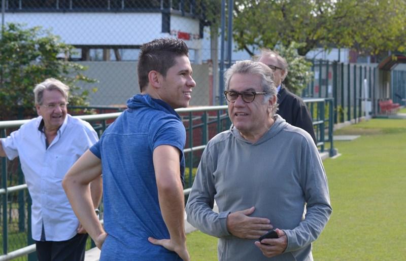 Visita de Osvaldo, treino do Sport e rachão marcam a atividade deste sábado