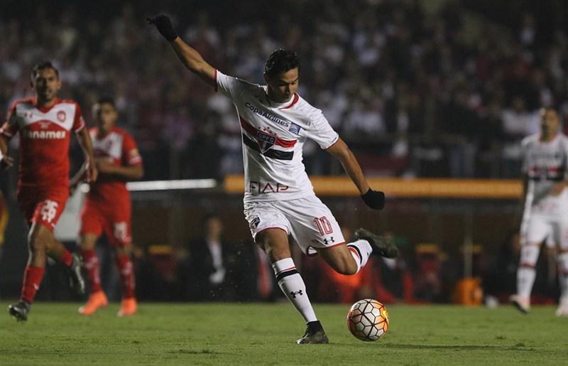 Alta de Ganso dificulta trabalho do São Paulo por renovação de contrato