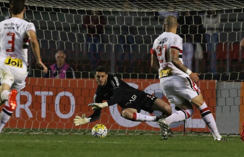 Wesley marca, e São Paulo confirma reação no Brasileiro!