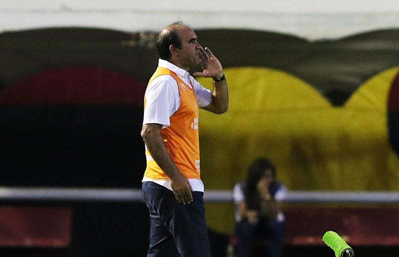 Gomes culpa Copa do Brasil e maratona de jogos por derrota para o Vitória