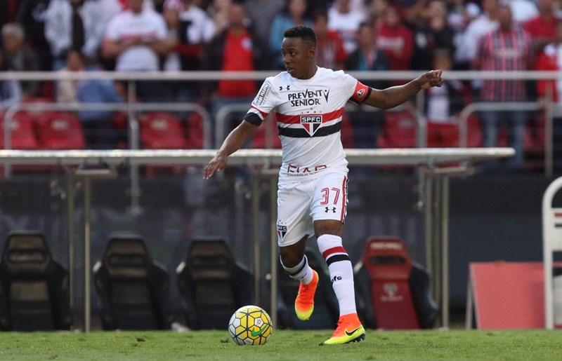 Wellington chora em retorno ao São Paulo