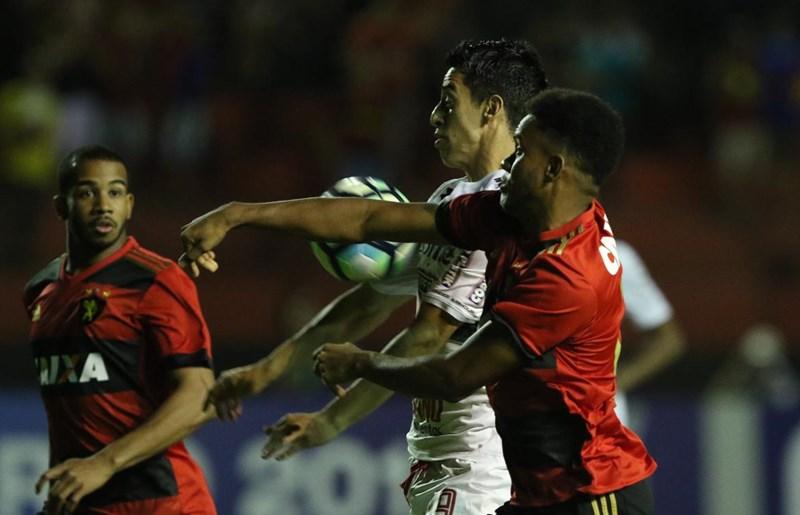 São Paulo empata com Sport, e soma primeiro ponto como visitante