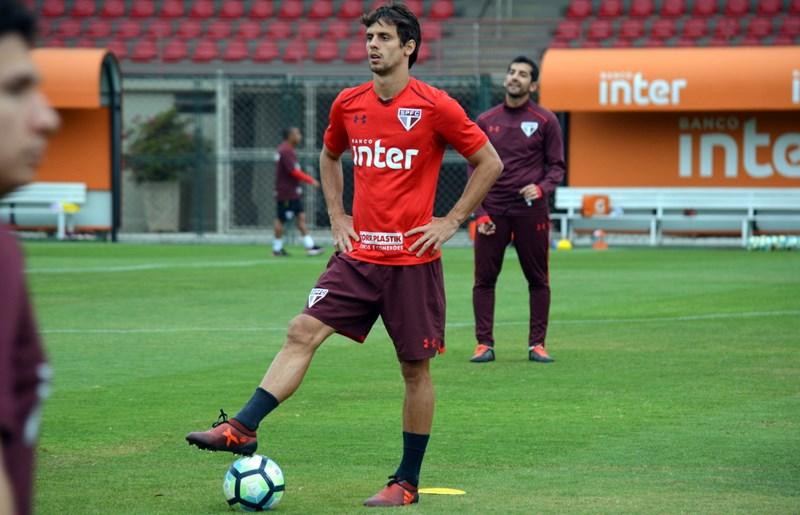 São Paulo avança na preparação para encarar rival direto