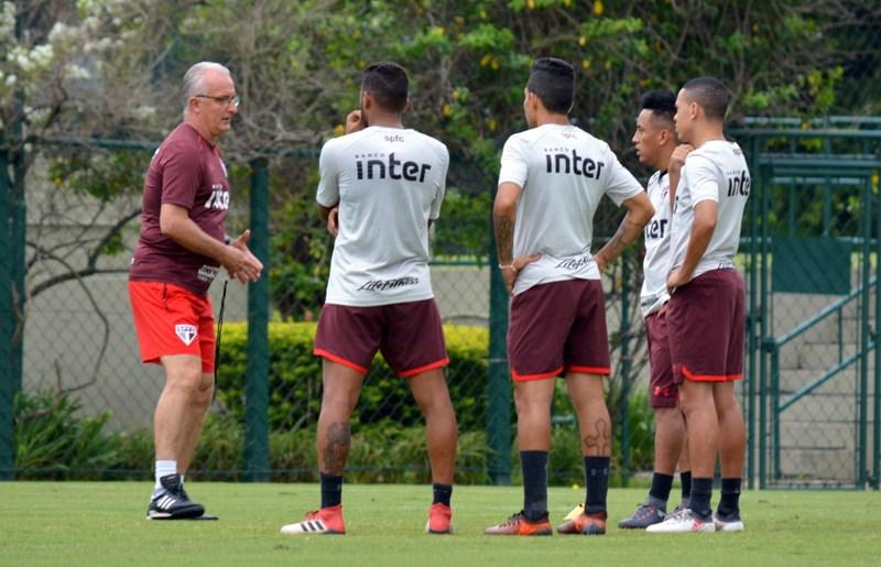 São Paulo: Careca acompanha ajuste final para o duelo com o CRB