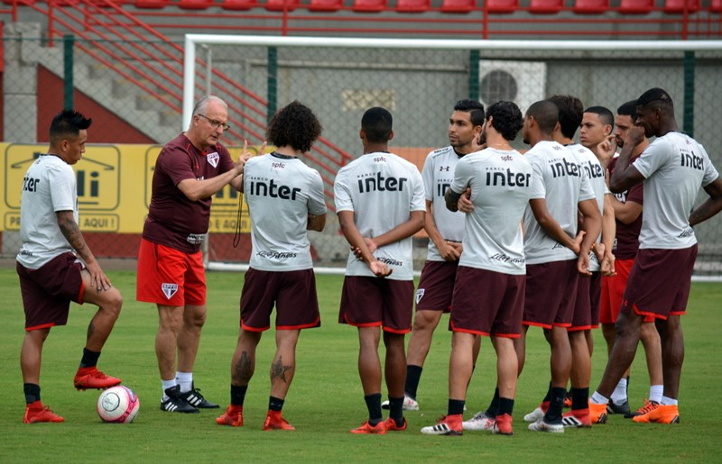 São Paulo: Reapresentação já ensaia a equipe para o clássico