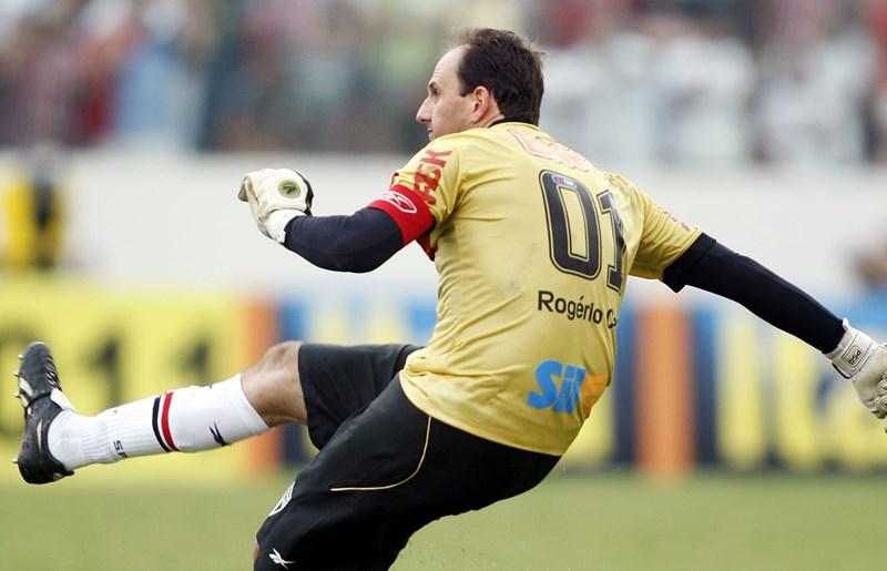 69fb1b82ef Sete anos do centésimo gol de Rogério Ceni - SPFC