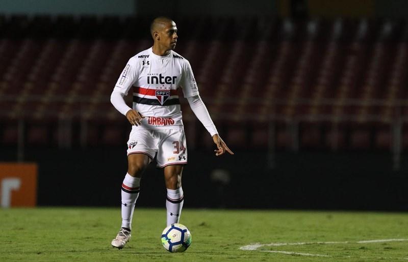 São Paulo: Com gol do aniversariante Bruno Alves, Tricolor arranca com vitória no Brasileiro