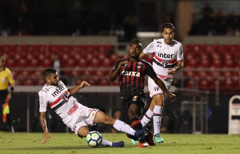 São Paulo empata com o Atlético-PR e se despede da Copa do Brasil