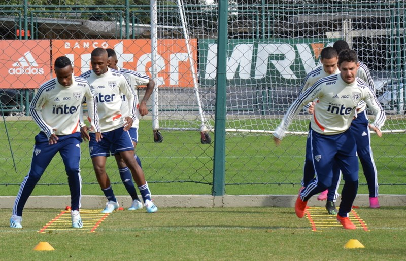 e9ffc21be332 Elenco finalizou neste domingo a preparação para o duelo com o time  catarinense