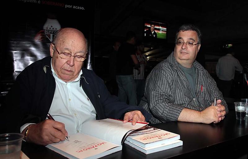 Os autores Orlando Duarte e Mário Vilela