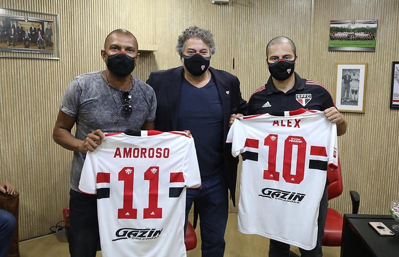 Amoroso, o Presidente Julio Casares e Alex, na chegada do novo treinador do time sub-20