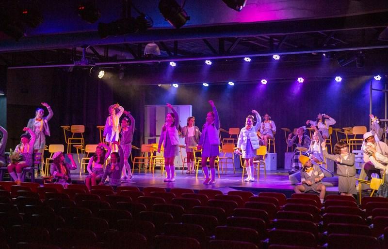 "Espetáculo ""Heathers, o musical"" no Teatro Cassiano Gabus Mendes"