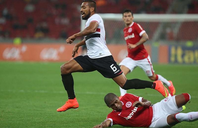 [SPFC.NET] Alvaro Pereira pode desfalcar o Tricolor em dois jogos