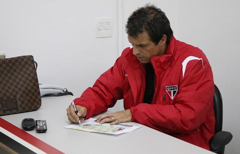 Milton Cruz deve ouvir Muricy sobre Sul-americana e cogita Luis Fabiano